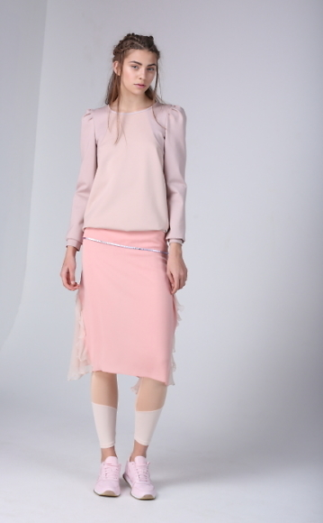 Dace_Bahmann Crimson_skirt